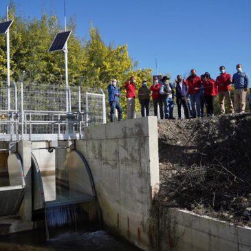 Ministro de Agricultura inauguró compuertas automáticas que mejoran distribución de agua en canales del Río Ñuble